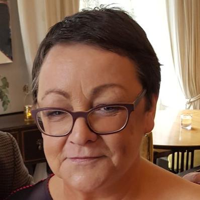 Annette  Schiller